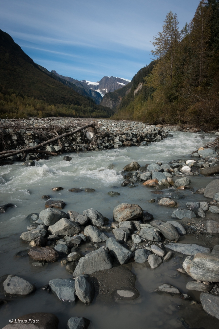 unnamed-river-and-glaciers
